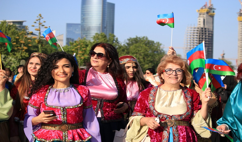 NGO leaders held a holiday march in national costumes
